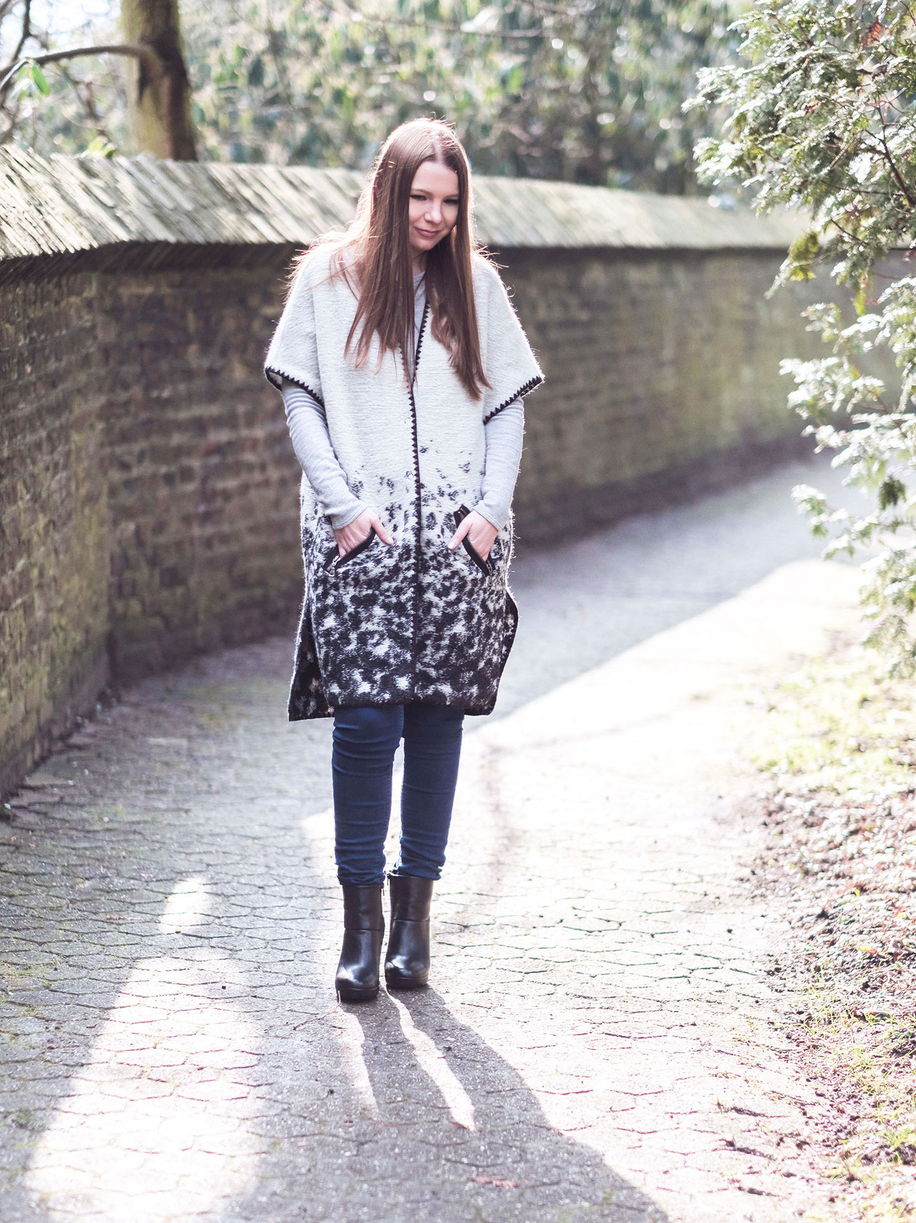 Outfit: Long Strickjacke & black Boots