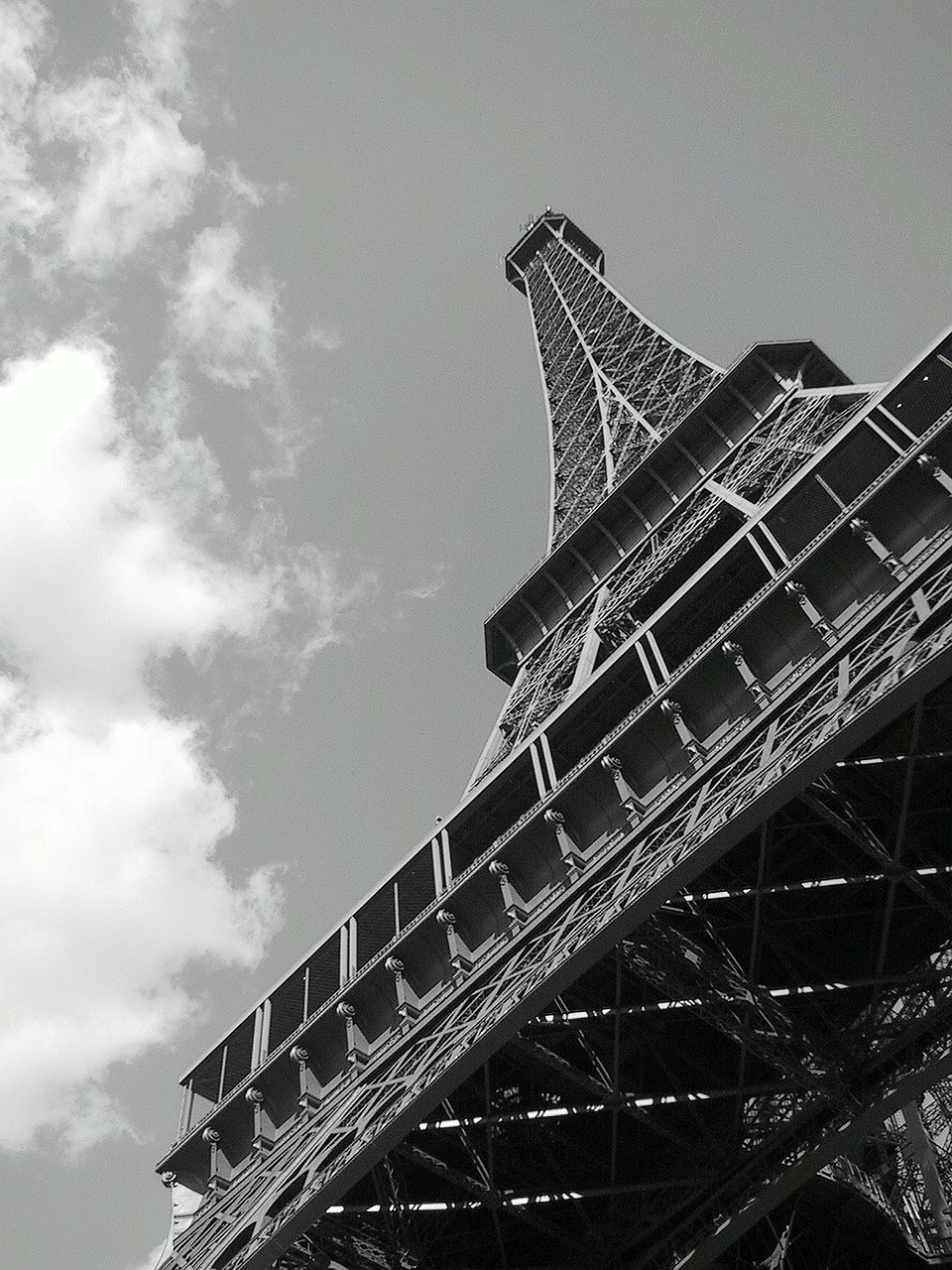 eiffel-tower-245289_1280